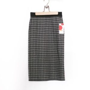 Dresses & Skirts - NWT Houndstooth Skirt